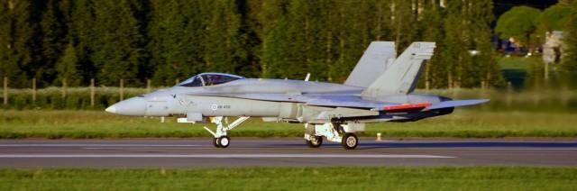 cropped-f-18c-hn-450.jpg