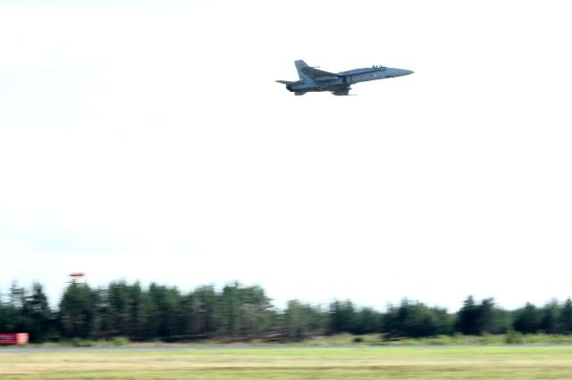 Hornet take off