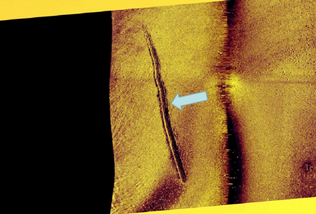 Fresh tracks left by the submarine in the bottom. Source: Försvarsmakten.se