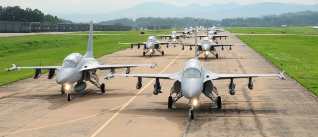 ta-50-_group_display_in_rokaf_airbase