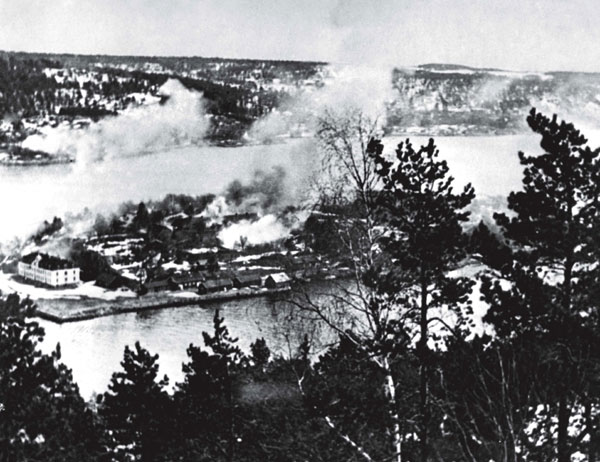 oscarsborg_fortress_under_air_attack2c_9_april2c_1940