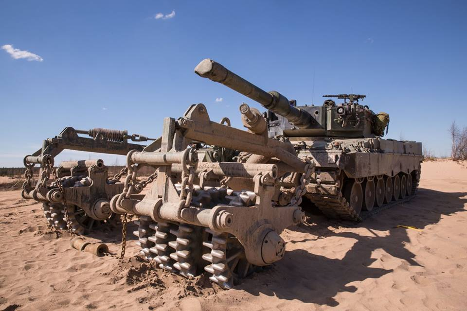 Leopard 2R Arrow16