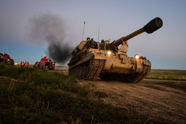 1280px-1_yorkshire_regiment_281_york29_battlegroup_conducting_live_firing_during_exercise_prairie_lightning._mod_45158826